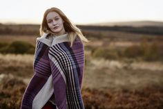 JOHNSTONS OF ELGINUK Glen blanket stitched lambswool throw in tayberry #HomeInteriors
