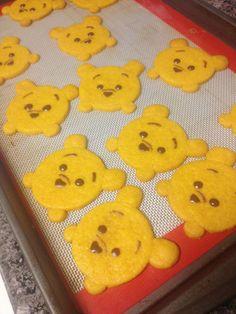 Recipe/Tutorial: Pooh Tsum Tsum Honey Shortbread | Pretty Cake Machine