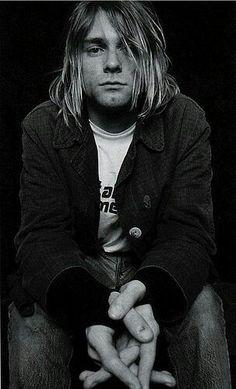 Kurt Cobain= perfect example of my type Nirvana Kurt Cobain, Kurt Cobain Photos, Banda Nirvana, Nirvana Band, Grunge, Portrait, Donald Cobain, Rock Legends, Foo Fighters