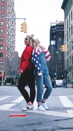 Zoella an poppy on new York living life ❤ Workwear Fashion, Work Fashion, Fashion Outfits, Poppy Deyes, Zoe Sugg, Corporate Fashion, New York Photos, Zoella, Young Professional