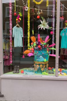 Fiesta/Tropical Window Display in London Oh Joy / Notting Hill