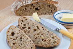 Pekařských nadšenců, kteří si doma připravují vlastní chleba a další pečivo…