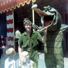 Peter Pan and Tick Tock Croc pose outside the Disneyland Peter Pan ride in Disney Characters Costumes, Face Characters, Character Costumes, Old Disney, Disney Love, Disney Magic, Disney Stuff, Disney Cast, Disneylândia Vintage