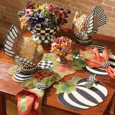Thanksgiving Napkin Folds, Thanksgiving Table Settings, Thanksgiving Decorations, Seasonal Decor, Halloween Decorations, Halloween Ideas, Holiday Crafts, Home Crafts, Holiday Decor