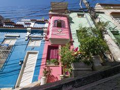 https://flic.kr/p/WuwFyp | A casa mais fina da cidade | Numa calma ruazinha residencial no meio do turbulento Centro da Cidade!  Morro da Conceição, Rio de Janeiro, Brazil. Tenha um dia legal! :-)  _______________________________________________  The thinnest house in town.  At a quiet residential street in the middle of the turbulent City Center!  Conceição Hill, Rio de Janeiro, Brazil. Have a cool day! :-)  _______________________________________________  Buy my photos at / Compre minhas…