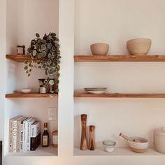Pantry Inspiration, Home Decor Inspiration, Room Interior Design, Dining Room Design, Timber Shelves, Kitchen Decor, Kitchen Design, Farmhouse Remodel, Shelfie