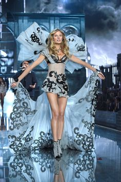Victorias Secret Fashion Show 2015 Photos: See All The Looks From The Runway