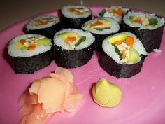 homemade sushi recipe and tutorial - love avocado or smoked salmon and cream cheese with chives