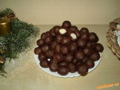 Marcipánové koule Czech Recipes, Russian Recipes, Christmas Cookies, Dog Food Recipes, Goodies, Pudding, Chocolate, Baking, Sweet