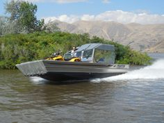 Mud Boats, Cool Boats, Fishing Boats For Sale, Landing Craft, Jon Boat, Dinghy, Boat Design, Water Crafts, My Dream