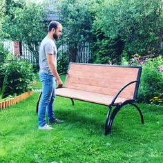 diy furniture videos Um banco de jardim que tambm uma mesa Folding Furniture, Space Saving Furniture, Home Decor Furniture, Garden Furniture, Furniture Decor, Furniture Projects, Metal Furniture, Furniture Plans, Best Outdoor Furniture