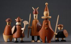 Jacob Jensen Vikings and Clowns Vikings, Wooden People, Diy Toys, Children's Toys, Wood Turning Projects, Wooden Animals, Kids Wood, Wooden Dolls, Soft Dolls