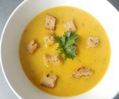 Batátová polévka sbrokolicí a kurkumou Cheeseburger Chowder, Soup, Fit, Turmeric, Shape, Soups