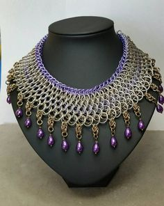 Kingscale chainmaille choker in purple champagne and silver.