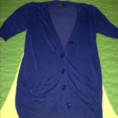⏰Forever 21 Short Sleeved long Sweater S Lovely shade of blue, worthy of weekdays at work and weekends at play. Forever 21 Sweaters