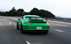 Looking for similar pins? Follow me! pinterest.com/kevinohlsson | kevinohlsson.com Sick Signal Green GT3RS rolling by! [1024 x 640]