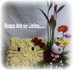 Creatividad y Arte Hello Kitty realizado con Margaritas, Rosas, Ginger, Gerberas y Pino. CreArte sin Limites....!