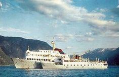 Fra korrespondansen midtfjords i Aurlandsfjorden/Sognefjorden på 60-talet Clouds, Ship, Outdoor, Outdoors, Ships, Outdoor Games, The Great Outdoors, Cloud