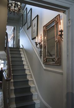Staircase wall is often a cold corner overlooked by homeowners. But with a little creativity, your staircase wall can be transformed from an ignored area to an attractive focal point. The staircase wall is just Georgian Interiors, Georgian Homes, Victorian Homes, Entrance Hall Decor, Entrance Halls, Victorian Hallway, Hallway Inspiration, Stone Stairs, Hallway Designs
