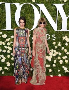 Anna Wintour Photos - Bee Shaffer and Anna Wintour attend the 2017 Tony Awards - Red Carpet at Radio City Music Hall on June 11, 2017 in New York City. / AFP PHOTO / ANGELA WEISS - 2017 Tony Awards - Arrivals