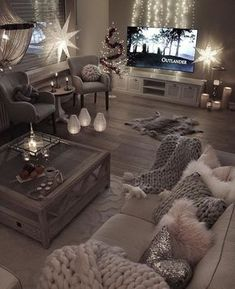 10 Comfortable and Cozy Living Rooms Ideas You Must Check! - Interior Remodel - Irene - 10 Comfortable and Cozy Living Rooms Ideas You Must Check! - Interior Remodel Most comfortable and cozy living room ideas - Living Room Decor Cozy, Living Room Goals, Cosy Grey Living Room, Loving Room Decor, Monochromatic Living Room, Glam Living Room, Living Room Mood Lighting, Tv Living Rooms, Chabby Chic Living Room
