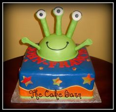 Alien Birthday Cake..jagger can't decide on a theme, but his baby brother will arrive so we gotta plan early