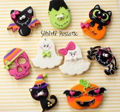 Halloween Buckets, Halloween Food For Party, Halloween Cakes, Cute Halloween, Halloween Treats, Halloween Decorations, Halloween Cookies Decorated, Halloween Sugar Cookies, Decorated Cookies