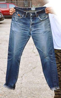 ドゥニーム「66XX」の色落ち画像①(全体像/フロント②) Raw Denim, Denim Jeans Men, Fashion Wear, Denim Fashion, Vintage Jeans, Menswear, Levis, Denim Style, Clothes