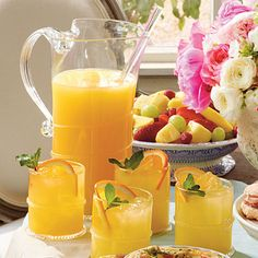 Sparkling Ginger-Orange Cocktails | This refreshing drink goes perfectly with your favorite brunch spread.