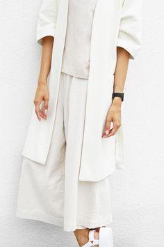 Outfit: oversized soft tones   MyDubio