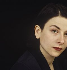 """historiaarcana: """"Donna Tartt, photographed by Ulf Andersen. Pretty People, Beautiful People, Beautiful Women, Donna Tartt, The Secret History, Man Ray, I Icon, Girl Crushes, Poses"""