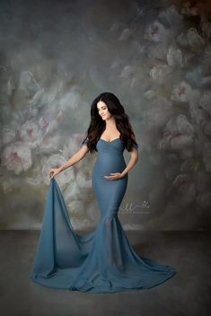 22f366c6e6 250 Best Maternity Gowns images in 2019