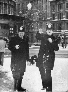 ~ Police Constables & snowballs, Trafalgar Square, London in the - Black & White ~ Asian History, British History, Uk History, Tudor History, History Facts, Old Photos, Vintage Photos, Little Britain, London Police