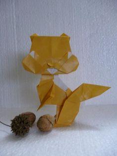 ardilla origami modelo Taichiro Hasegawa plegado por malula _ arte en papel
