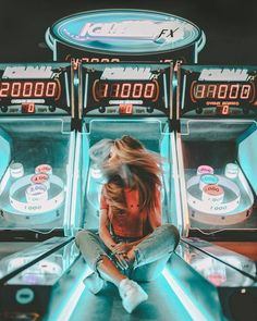 arcades lit with neon lights can give your photos a cool pop of color ☆ (good caption advice. Cute Photos, Cute Pictures, Ideas For Pictures, Artsy Photos, Inspiring Pictures, Insta Pictures, Fun Ideas, Shotting Photo, Poses Photo