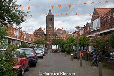 Afbeelding van https://www.weblogzwolle.nl/images/stories/Juni_2014_A/13-06-2014_zwolle_ziet_oranje-garaniumstraat-_08.jpg.