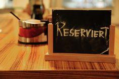 Was wollen Restaurant-Gäste - Alle Do's & Don'ts Ein Restaurantbesuch begeistert neben dem was auf den Teller kommt auch mit der Qualität des Services. Gutes Restaurant ohne eine zuvorkommende Bedienung? Aktuelles Food Design, Waiting Staff, Food Menu, Life, Birthday