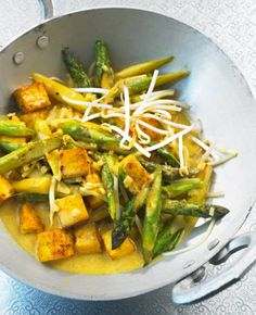 Tofu-Curry mit Spargeln und Sprossen, nachkochen...