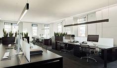 ¿Dudas entre contratar una empresa de diseño web o un diseñador freelance? Entra aquí, descubre los pros y contras de cada uno y contrata el mejor para ti.