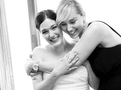 Take a special photo just with your maid of honor <3