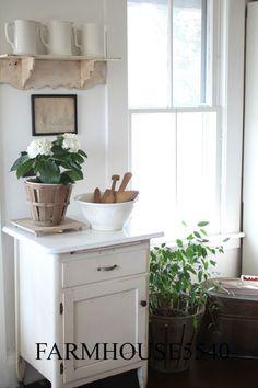 farmhouse style furnishing