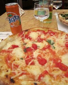 Rome pizza | Hello, Roma, My Old Friend | FATHOM Travel Blog and Travel Guides