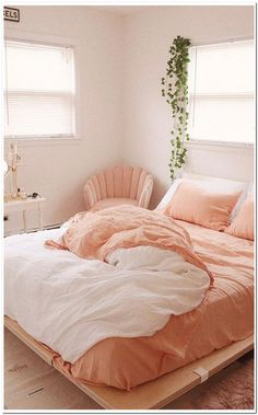 Bohemian Style Ideas For Bedroom Decor - Bohemian Home Bedroom Pink Bedroom Design, Room Interior Design, Coral Bedroom Decor, Interior Designing, Bedroom Designs, Furniture Design, Peach Bedroom, Peach Bedding, Peach Rooms