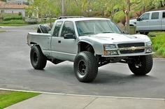 Sweet prerunner Baja truck.. I'd love to drive this 160mph+ across the salt flats :)