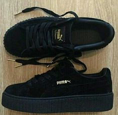 All Black Rihanna Puma Creepers I have the same shoes. Pumas Shoes, Women's Shoes, Me Too Shoes, Shoe Boots, Shoes Sneakers, Latest Summer Fashion, Summer Fashion Trends, Shoes 2017, Dream Shoes