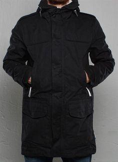 Удлинённая мужска куртка адидас