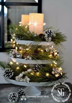 32 Festive Christmas Table Decorations To Brighten Up Your Feast Beautiful Christmas Centerpieces for your Dining Table or coffee table! Noel Christmas, Rustic Christmas, Winter Christmas, Christmas Crafts, Christmas Balls, Christmas Candles, Christmas Ideas, Elegant Christmas, Christmas Music