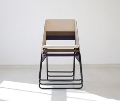 LUC-stackable-chair