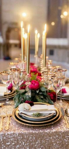 Gorgeous Christmas table setting. Tis the season.: