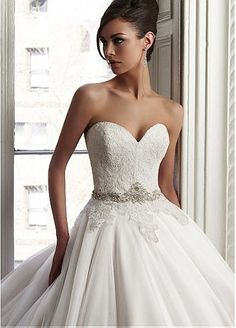 Gorgeous Tulle & Organza Sweetheart Neckline Natural Waistline Ball Gown Wedding Dress